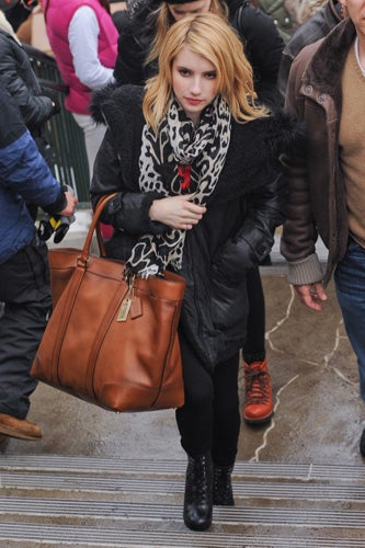Celebrities-Wearing-Bleecker-Weekend-Tote-4