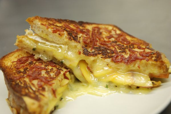 FT-grilled-cheese