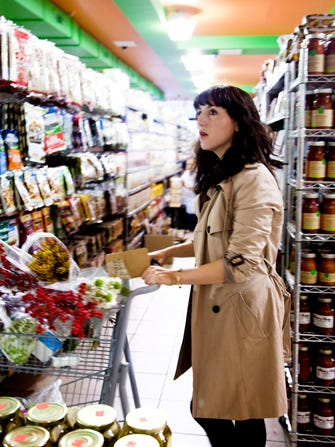 You're Doing It Wrong: How To Grocery Shop Like A Pro