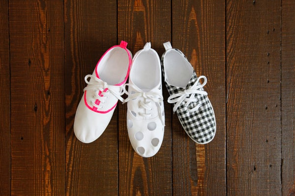 diy sneakers how to paint canvas shoes