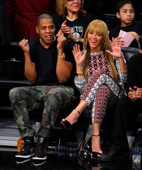 reports picture beyonce brooklyn nets home opener sporting brand bangs