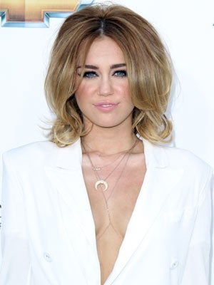 miley-cyrus-billboard-awards-hair