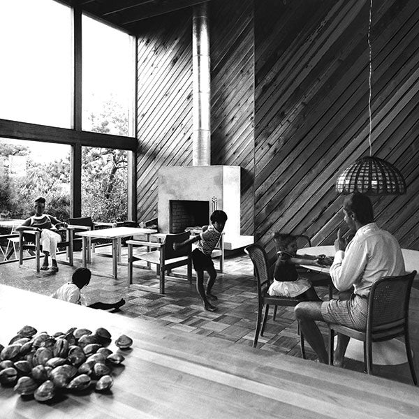 SCALI HOUSE IN THE NEW YORK TIMES, 1967. COURTESY OF FIRE ISLAND MODERNIST: HORACE GIFFORD AND THE ARCHITECTURE OF SEDUCTION.