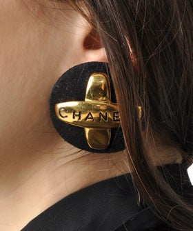 chanel-earrings-op