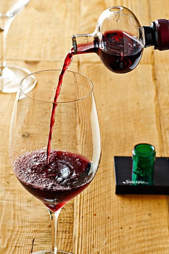 WilliamsSonoma_Soiree-Wine-Aerator_25