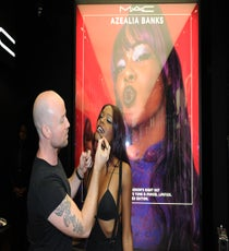 Azealia-Banks-performs-at-MAC-Soho-in-celebration-of-Fashions-Night-Out_4