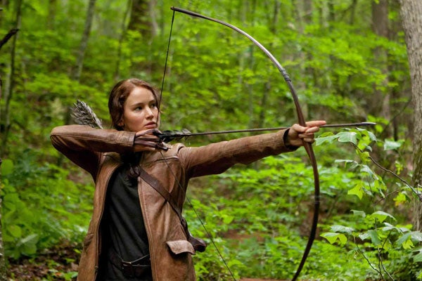 r29-hunger-games-katniss-bow