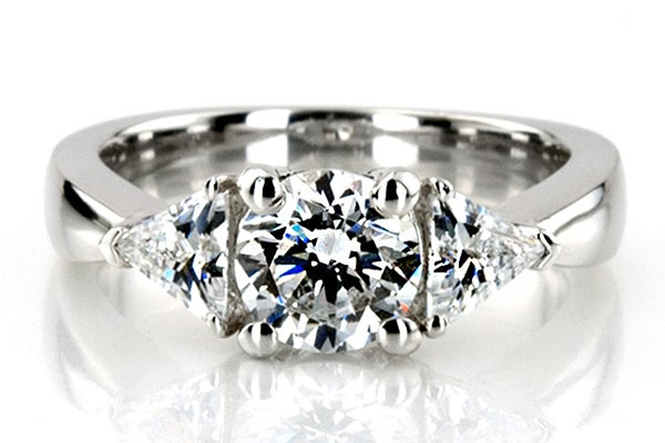 engagement-ring-horizontal