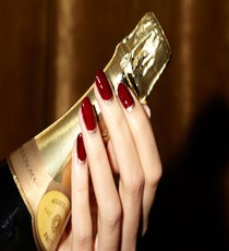 06_REFINERY_29_NAILS_DEC_SHOT_2_053_crop
